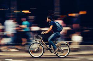Ilkivallan kohteeksi joutunut pyörälaskuri on nyt uusittu